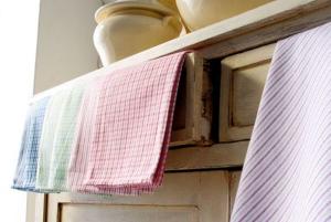 Дарим новую жизнь старым кухонным полотенцам. Легкие способы отстирать пятна