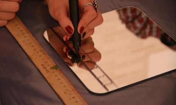 Как резать зеркало в домашних условиях стеклорезом? Секреты мастерства