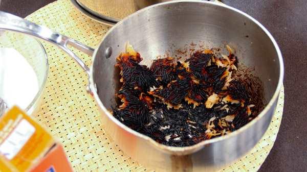 Что делать если пригорает чугунная, керамическая или алюминиевая сковорода? Проверенные методы