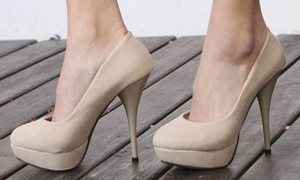 Как растянуть замшевую обувь в домашних условиях и не испортить ее?