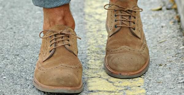 Как правильно чистить замшевую обувь в домашних условиях? Все секреты и правила