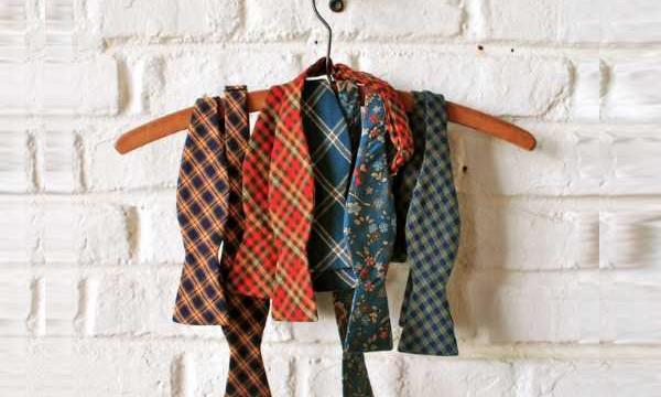 Как постирать галстук в домашних условиях? Избавляемся от пятен на мужском галстуке просто!