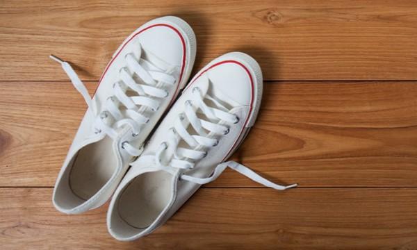 Лучшие способы очистить белую подошву кроссовок, на кедах и слипонах